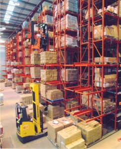 very narrow aisle pallet racking Findel 1