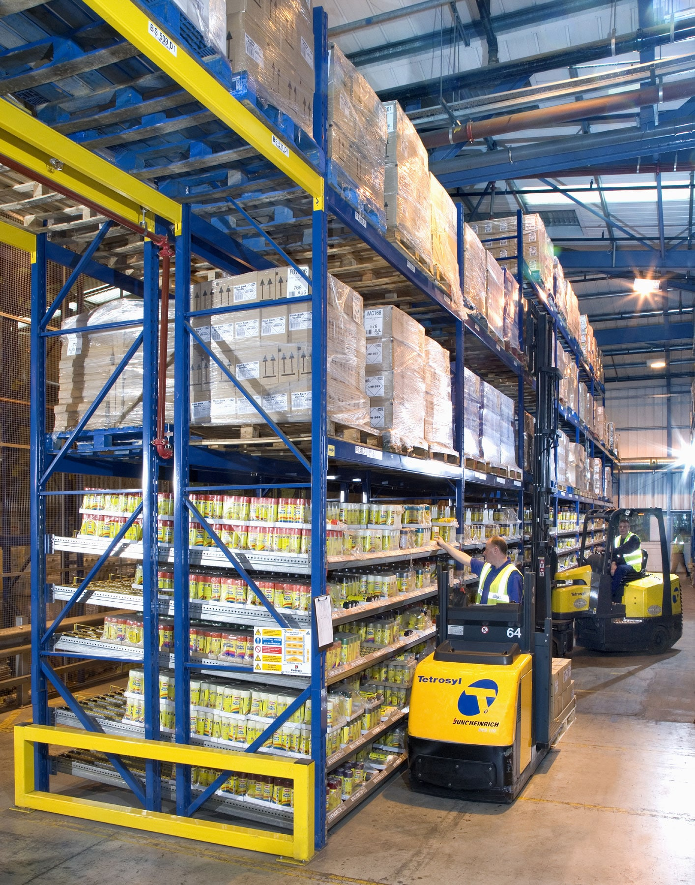 Redirack manufactures & installs Narrow Aisle Pallet Racking Solutions