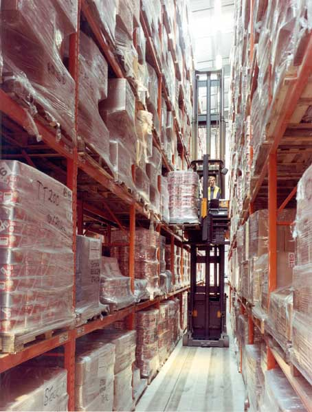 Redirack manufactures 10m high Narrow Aisle Pallet Racking system