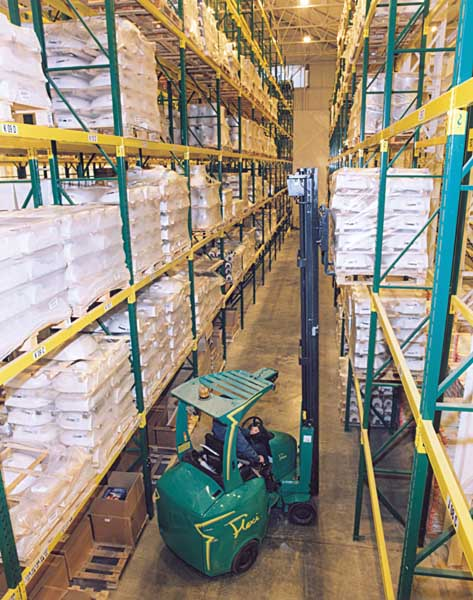 Builders Merchants Buildbase utilise Redirack Pallet Racking for flexibility and selectivity