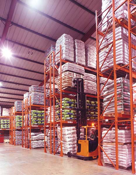 Redirack Wide Aisle Pallet Racking ensures ease of selection