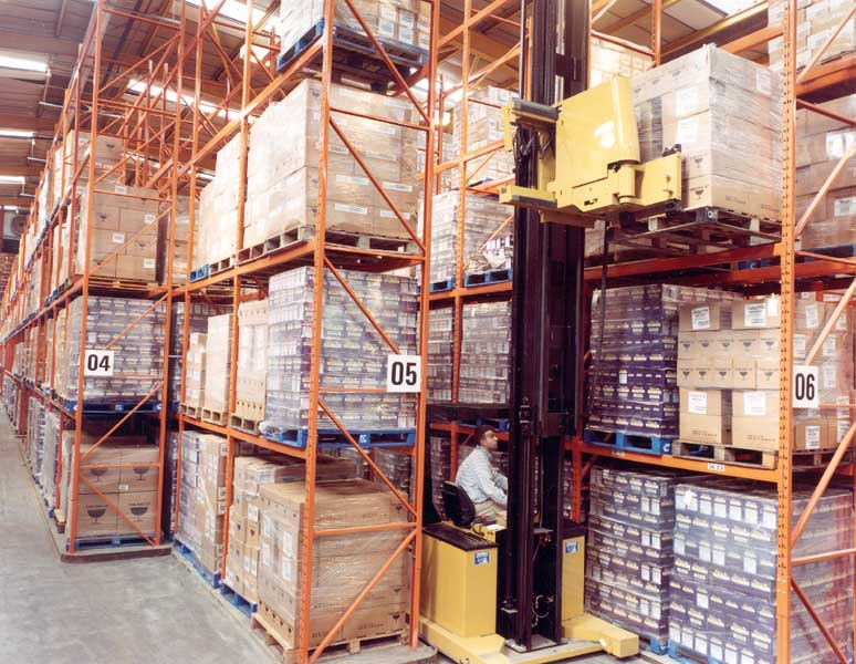 Redirack Narrow Aisle Pallet Racks with Specialist Trucks