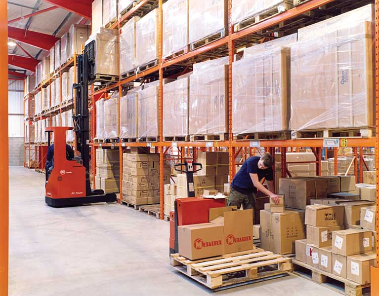 Redirack's range of Adjustable Pallet Racking offers a Heavy Duty storage solution