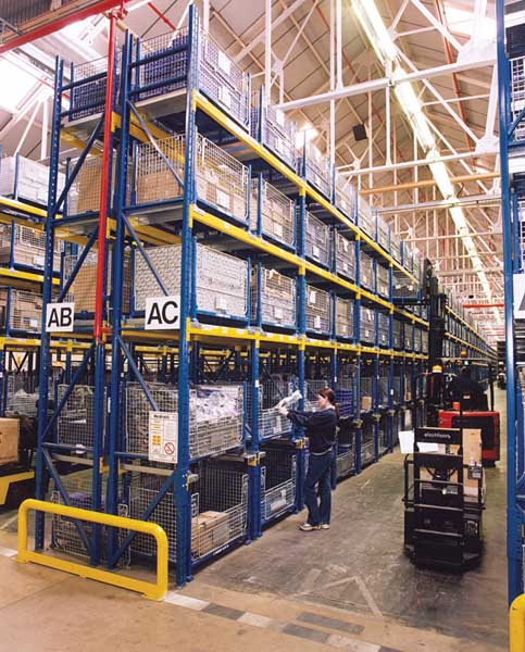 Peugeot utilise Redirack Pallet Racking for automotive parts selection