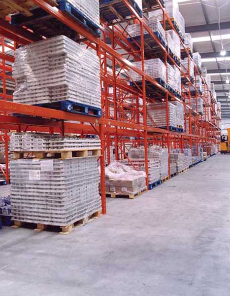 Wide Aisle Pallet Racking ensures direct access to individual Pallets